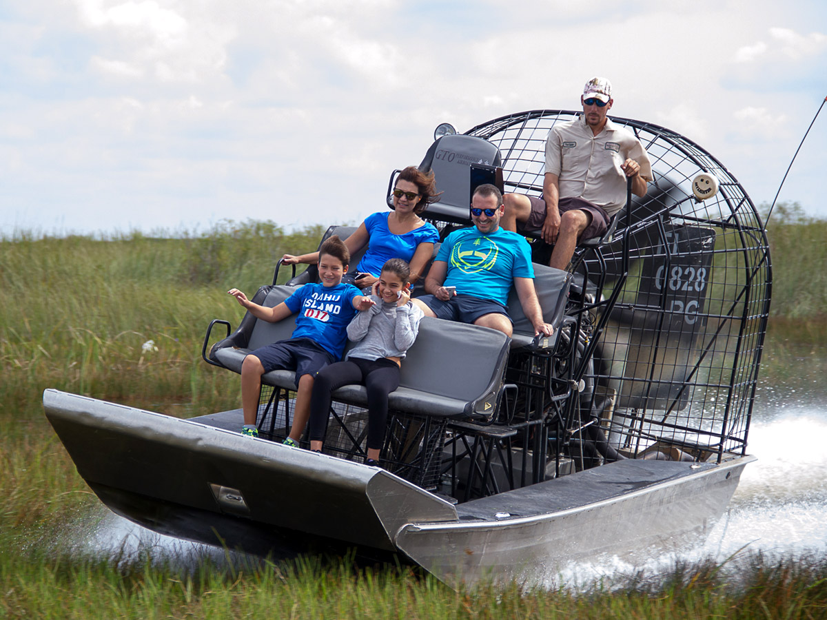 Florida Airboat Rides at Gator Park - Everglades Airboat